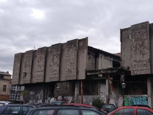 One of the building yang kena bomb. Tempat art ke apa aku tak ingat
