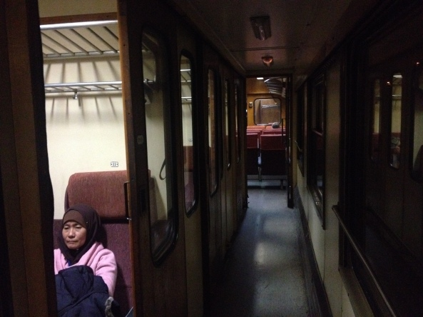 Macam dalam citer Harry Porter punya train. On da way to Hogwarts :)